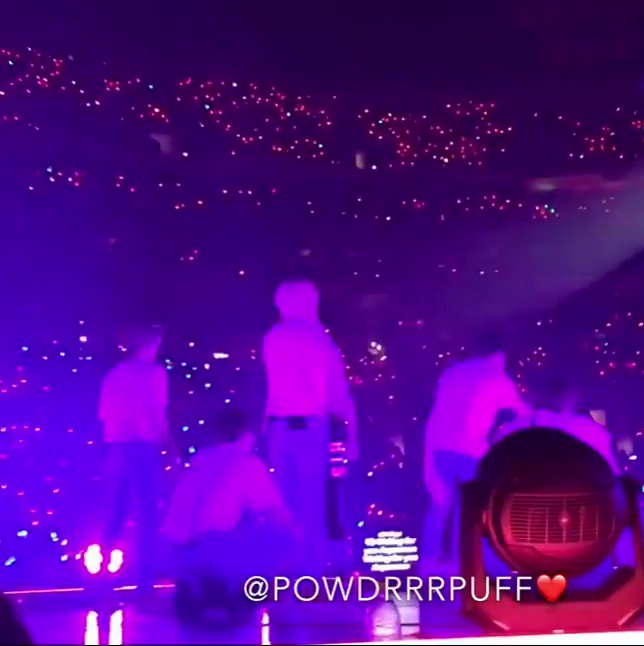 BUT THIS ANGLE OF JK PUNCHING TAE'S BUTT https://t.co/BWfbBtNlvp