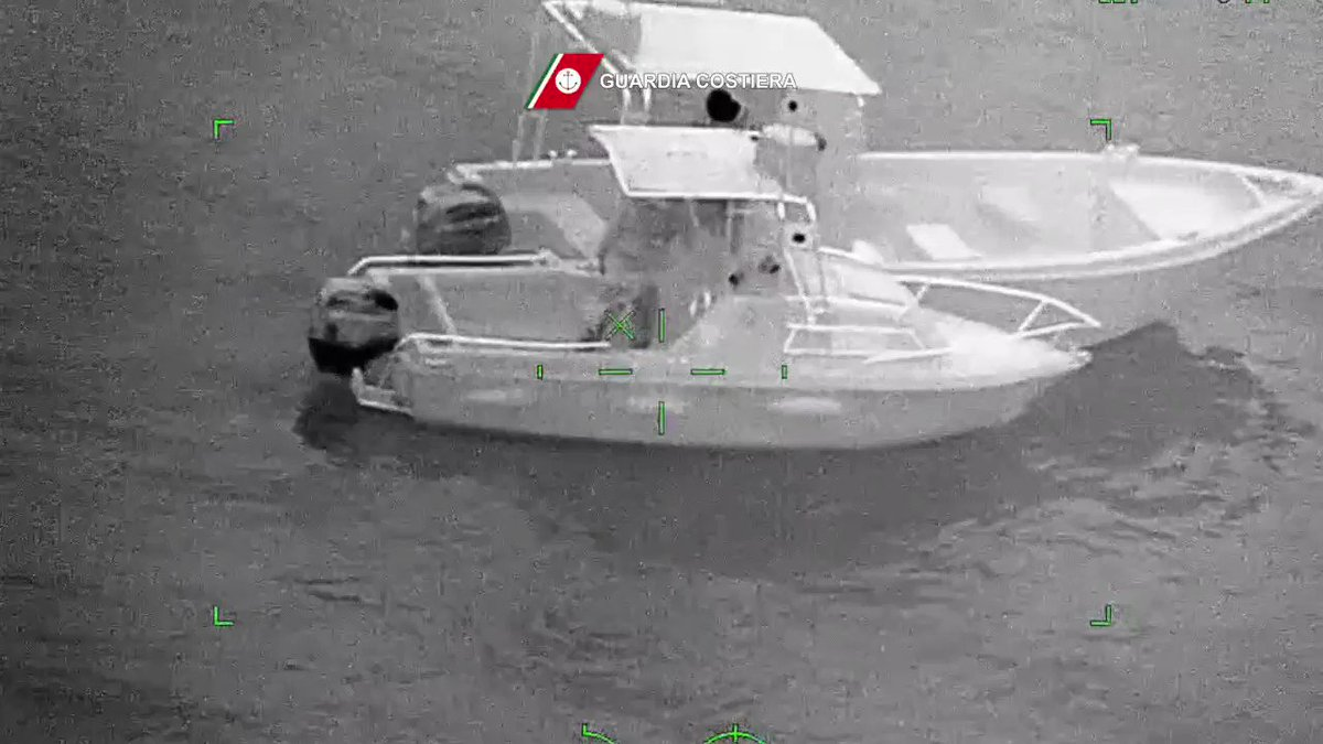 Blitz della #GuardiaCostiera di #PortoGaribaldi Motovedette e elicottero Nemo del 3° #NucleoAereo della Guardia Costiera di #pescara per costrasto #pesca illegale di novellame di vongole veraci. Punite condotte lesive #ecosistemamarino e pericolose per la #sicurezzanavigazione  - Ukustom