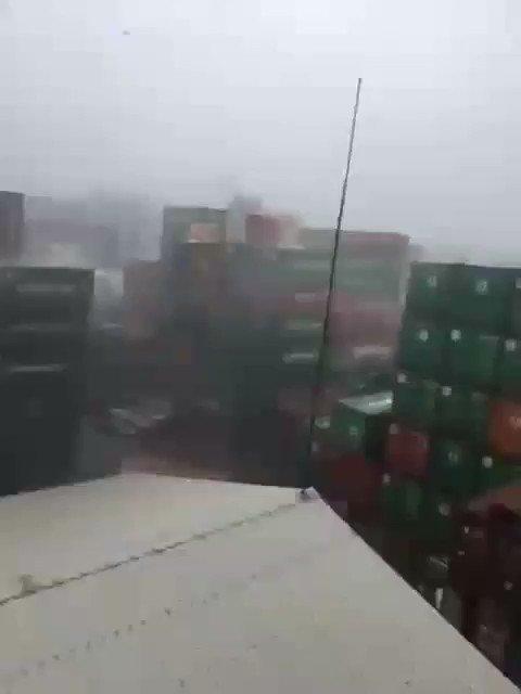 Szalejący tajfun i paczki z Aliexpress