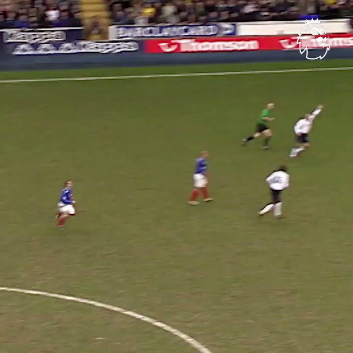 �� The shimmy �� The finish ��♂️ The celebration  #GoalOfTheDay is Lomana Lua Lua's debut strike for @officialpompey https://t.co/vB4PUYdGMF
