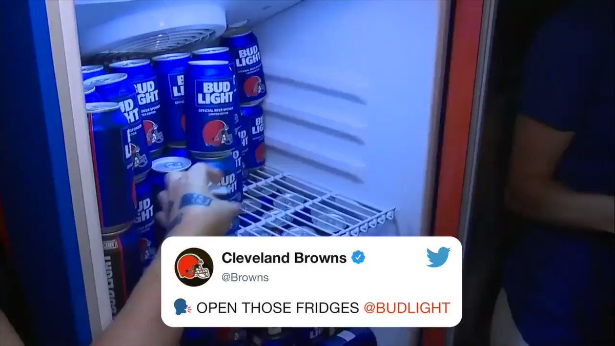 CHEERS FOR THE @Browns ��  CHEERS TO THE @Browns �� https://t.co/actLViE5iI