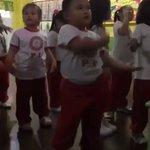 【天才とはこういう事か】ダンスのリズム感が桁違いの、幼稚園児?が話題!