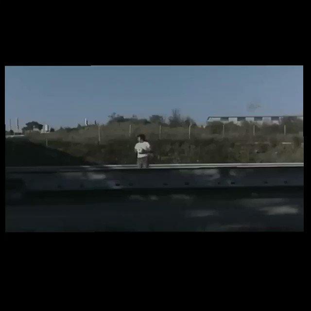 #Toninelli che gioca sul #ponte.#Casalino #22settembre  - Ukustom