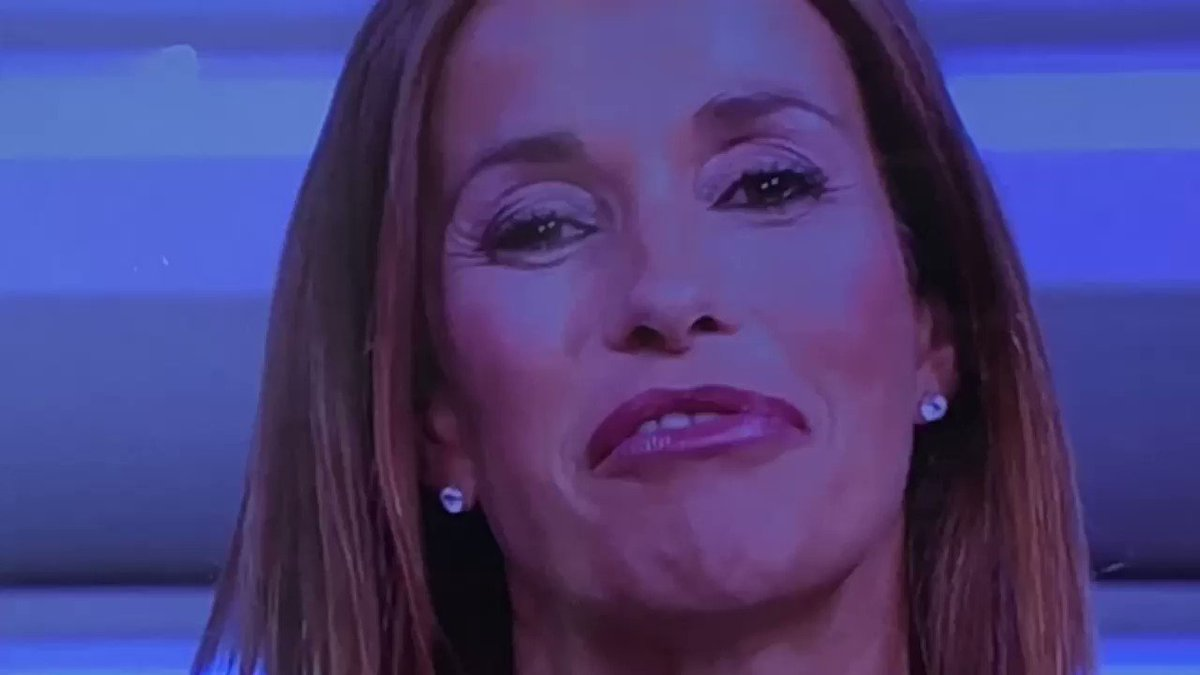 Va in onda il promo de #LaPrimavolta nel quale la #Parodi da appuntamento a dopo il @tg1online ma il #Tg1 è appena finito ! Siamo alla follia in #Rai @RaiUno  - Ukustom