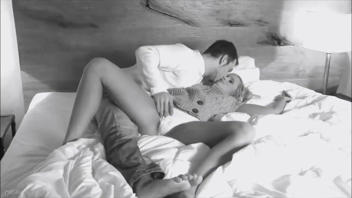 Пока мужик спит его щупают — img 7