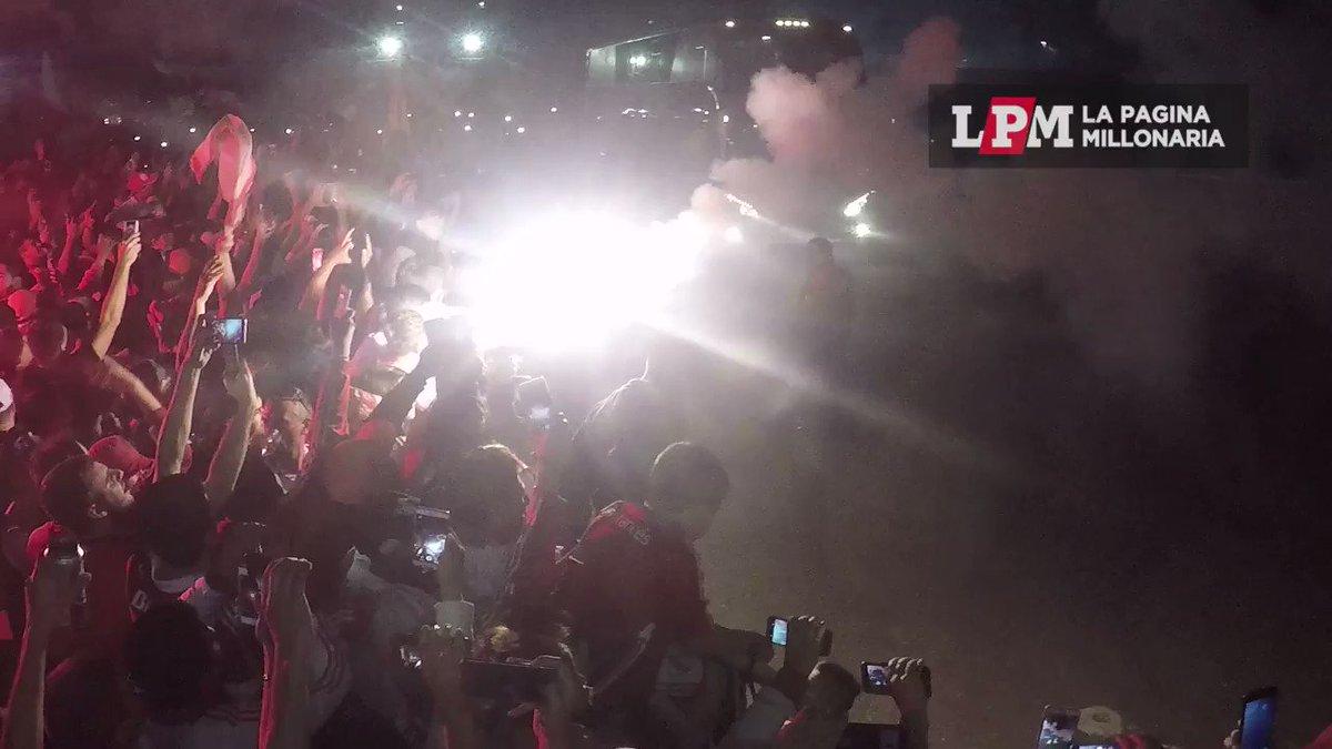 Así llegó #River al Monumental luego de ganarle a Boca por 2 a 0 en La Bombonera https://t.co/XwsMHdMFDA https://t.co/2n6oQsDuTQ