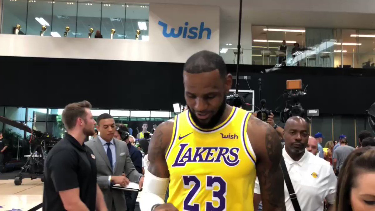 LeBron checks in from his 16th #NBAMediaDay! https://t.co/KMukU0jz0z
