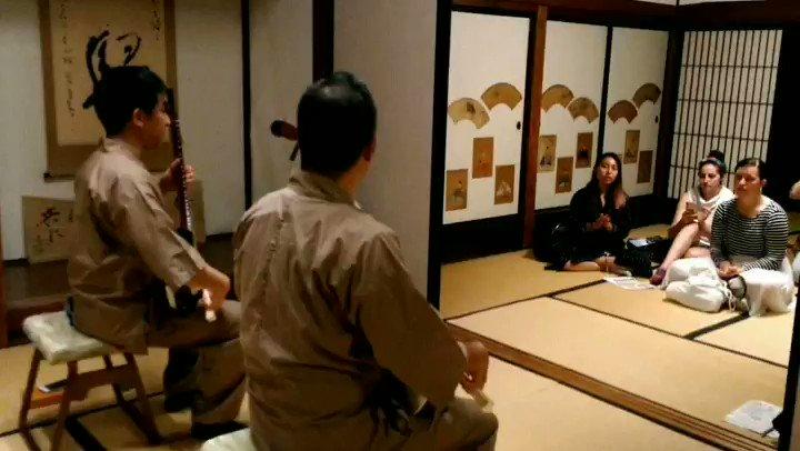 Image for the Tweet beginning: 先日、飯坂温泉でインバウンド推進事業として訪日外国人向けのモニターツアーを実施しました。 旧堀切邸見学とだべしたーずによる三味線の演奏。#japantrip #fukushima #fukusimacity #wakufuku #iizaka