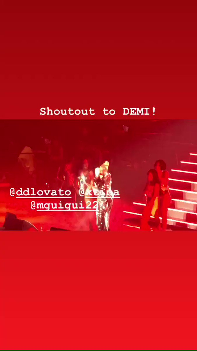 @xtina always showing love to @ddlovato #fallinline #LiberationTour love both you queens! ❤️❤️😘😘