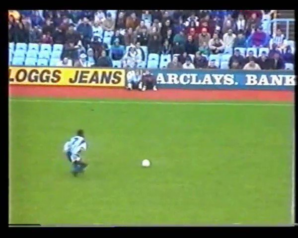 FORGOTTEN GOAL: Peter Ndlovu's winner for Coventry vs Villa 28 years ago today. Watch out for two classic kits, limbs aplenty and some twinkle toes from the Bulawayo Bullet.