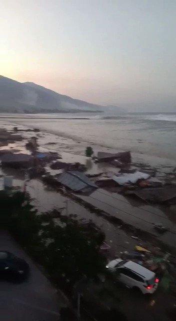 Tsunami atinge ilha indonésia de Sulawesi após terremotos