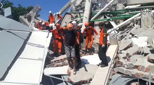 Indonesia Earthquake, Tsunami Death Toll Climbs to at Least 830 | iHeartRadio