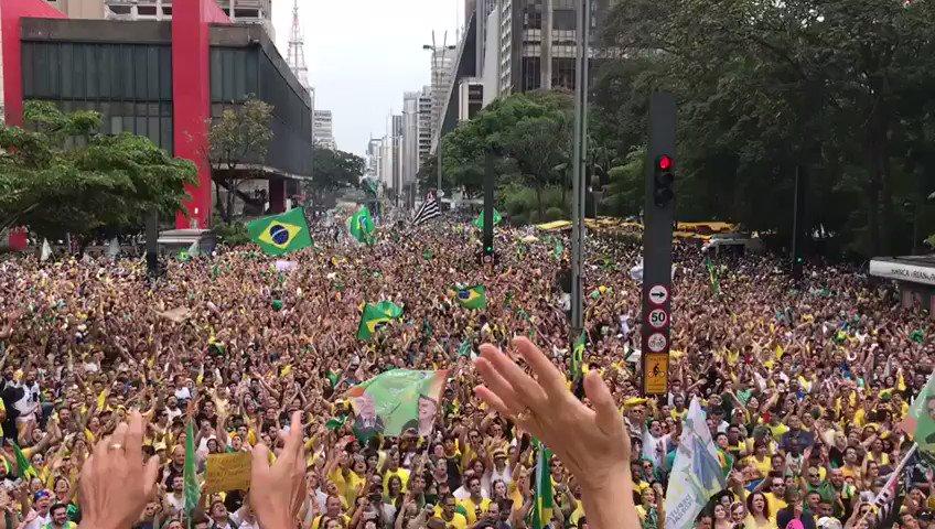 ✨Claudia ✨ 40k's photo on #Dia17nasRUAS