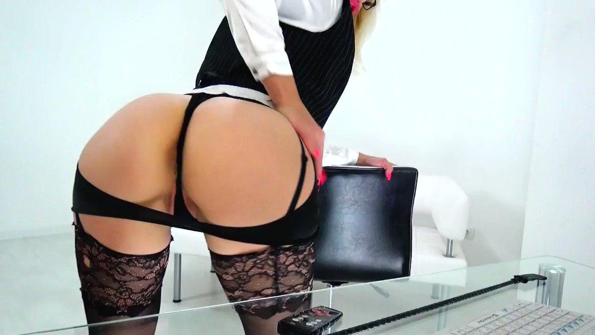 Model - LouisaCream ass