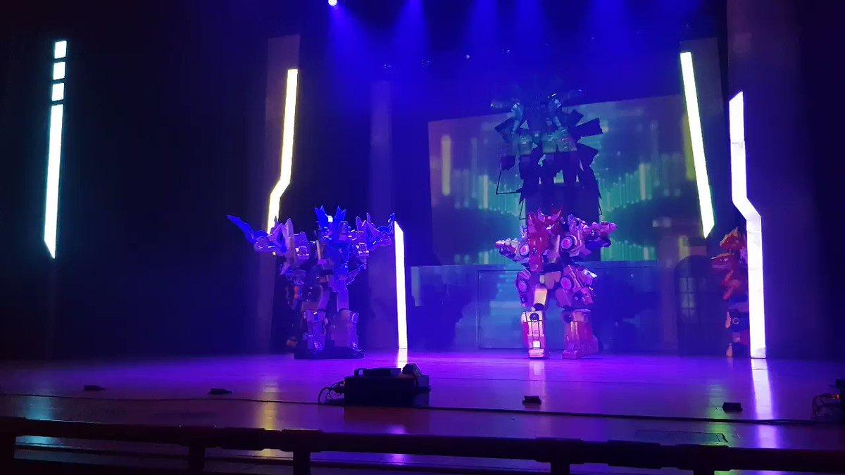 #뮤지컬다이노코어 #다이노코어뮤지컬 #다이노코어  2018 09 29  뮤지컬 다이노코어 시즌2 4시30분 타임 커튼콜 1 창라이프 라는 다른제작사 작품이고, 무려 파드라님이 커튼콜에 내려오셨어요!
