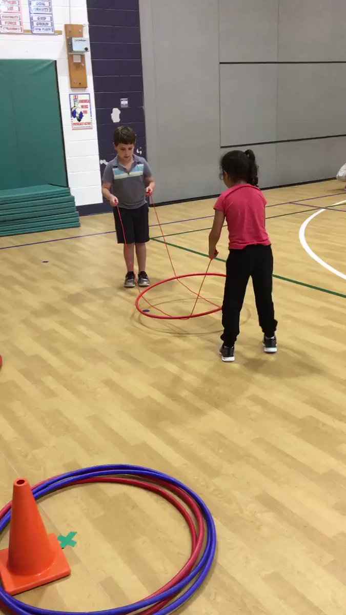 RT <a target='_blank' href='http://twitter.com/APSHPEAthletics'>@APSHPEAthletics</a>: Hooping it up <a target='_blank' href='http://twitter.com/OakridgePE'>@OakridgePE</a> - Clever Rescue Relay that has students using cooperative skills <a target='_blank' href='https://t.co/ZvzxZQ8OOD'>https://t.co/ZvzxZQ8OOD</a>