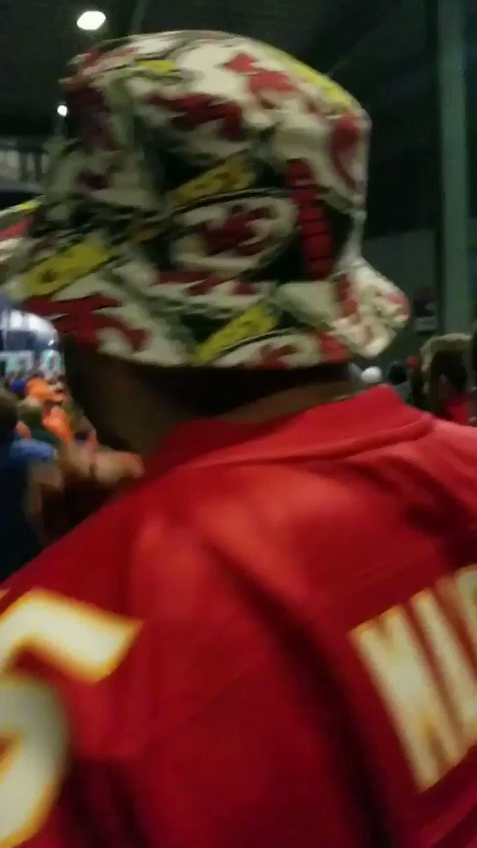@sammywatkins Starting the warchant in enemy territory ... with a white site on my back 😎#ChiefsKingdom