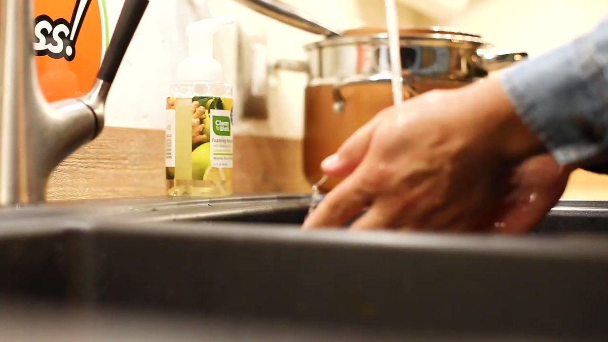 Ginger Bergamot is citrus, spice, and everything nice. Our foaming hand soaps get all botanical on grime and germs for the most satisfying clean. #botanical #thyme #plantbased #stayclean #noalcohol #germfree #ginger #bergamot #plants #handwash #foaming #citrus #hands #sink #spice https://t.co/3JD42J3nO6