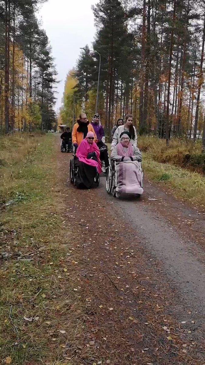 Image for the Tweet beginning: Kauhajoen Vanhaintuki ry:n asukkaat ulkoilivat