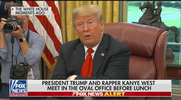 Kanye hugging @realDonaldTrump and telling him he loves him is the best thing we have seen in a while https://t.co/ZWRIImG1XE