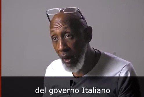 """""""L'Italia chiuda le frontiere o sarà guerra nelle strade"""". Allarme di Mohamed Konare, leader del movimento Panafricanista.""""Gli africani in Europa non hanno futuro. Siamo qui da 20 anni e siamo disoccupati. Chi può spendere 10.000€, perché lascia l'Africa se ha tutti quei soldi?"""""""