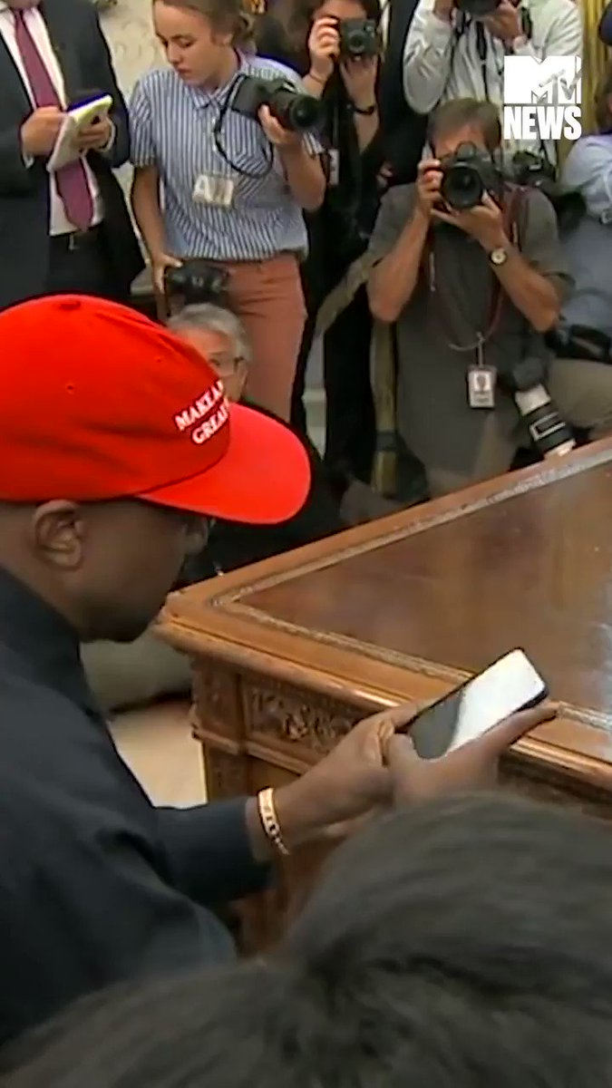 What is Kanye West's iPhone password? https://t.co/Hp5etBqTZi
