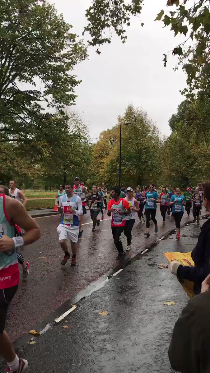 You got this girls #Mile7 @RoyalParksHalf Jelly babies at the ready!