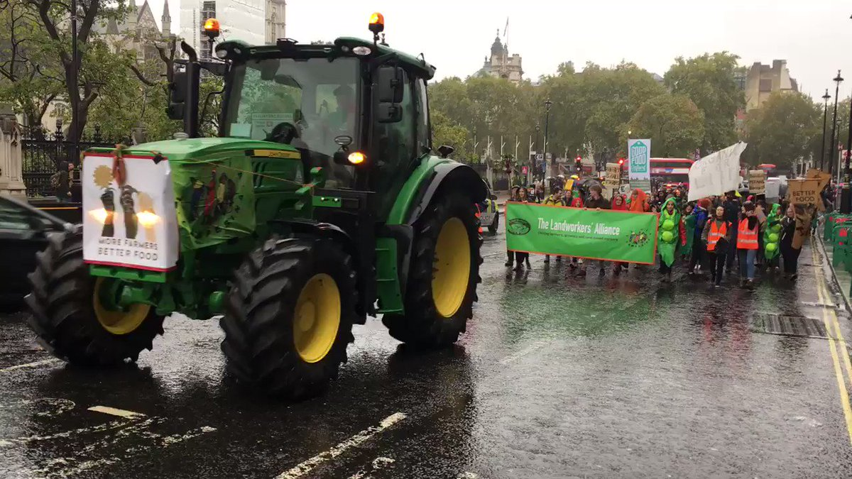 Spring Prize judge Jyoti Fernandes (https://t.co/jeosEcUIjw) is involved with both the @LandworkersUK & La Via Campasina @ECVC1. Through this she was involved in organising the #GoodFoodGoodFarming march - great to see so many people marching for a better #foodsystem!