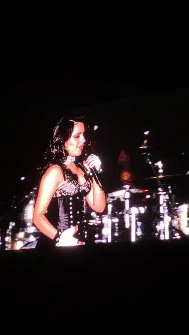 Camila Cabello leva Anitta de surpresa e discursa sobre aceitação no Z Festival em SP
