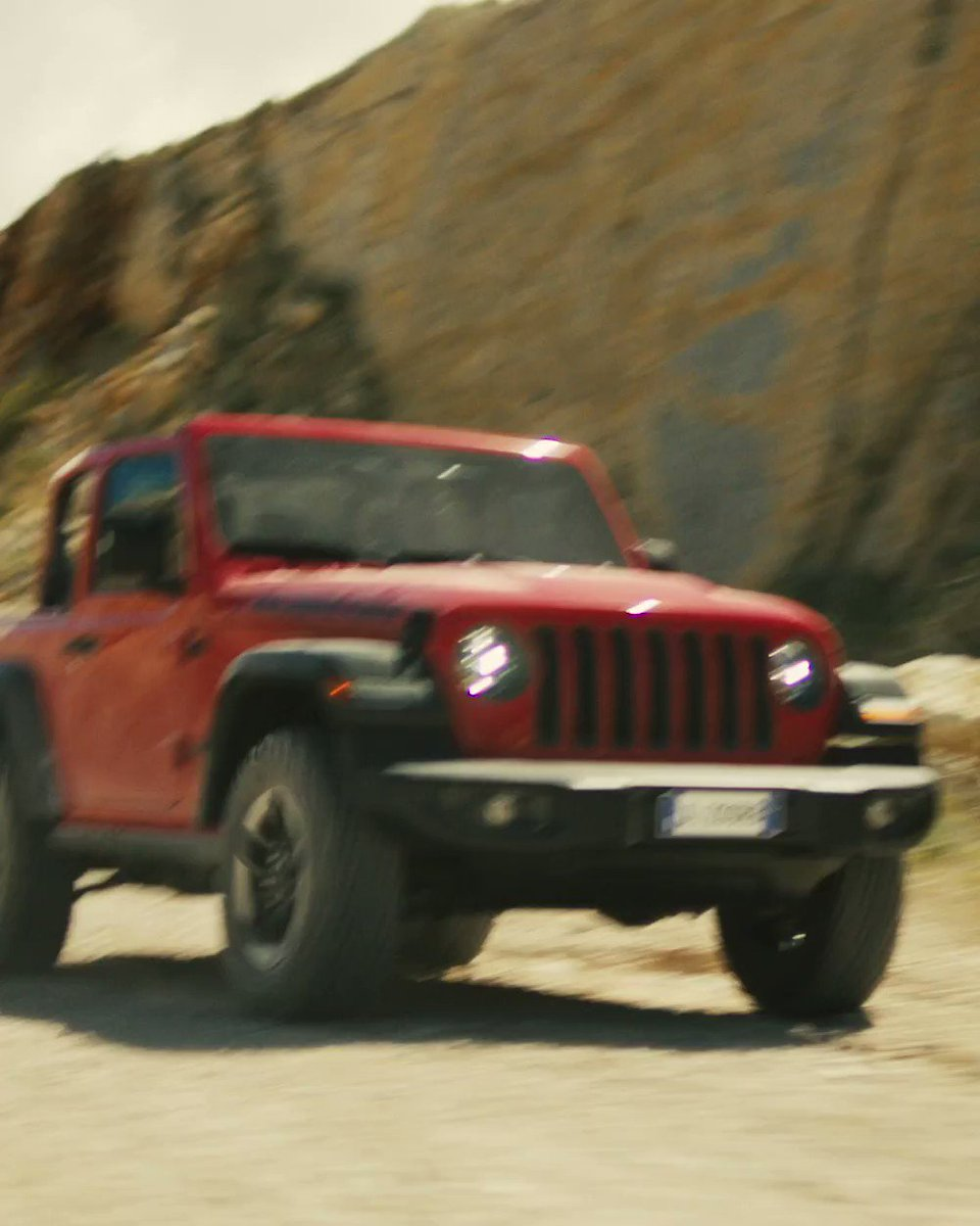 The all-new Jeep Wrangler is now in our showrooms. The first 100 customers to order will receive a free off-road driving course. #allnewjeepwrangler #firstcomefirstserved #Borntobewild https://t.co/5wrNf9yL0W