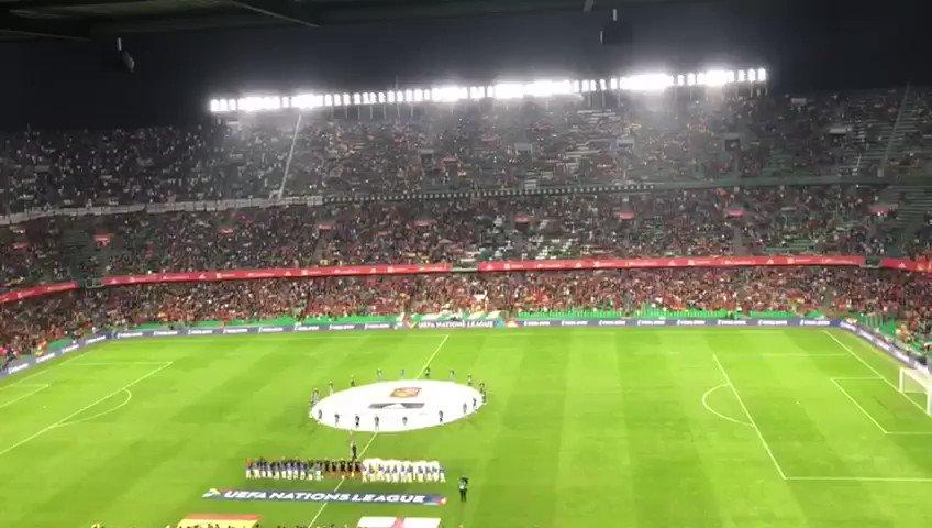Silbar el himno solo está mal si eres catalán y el himno es el español https://t.co/546BLbBWCR
