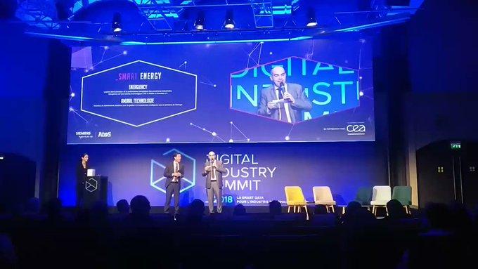 #DigitalIndustryAward Le gagnant de la catégorie #SmartEnergy est... @energiency !...