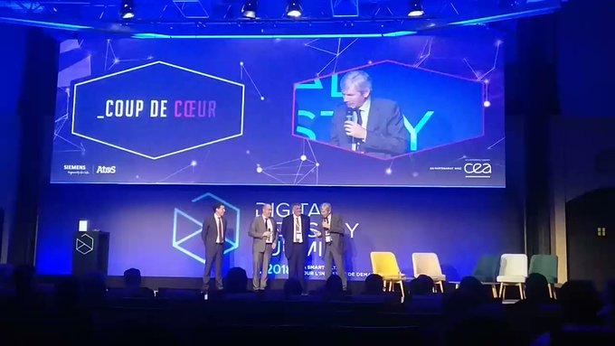 #DigitalIndustryAward Pour finir, le prix coup de ❤️, remis par le Directeur de Recherche...