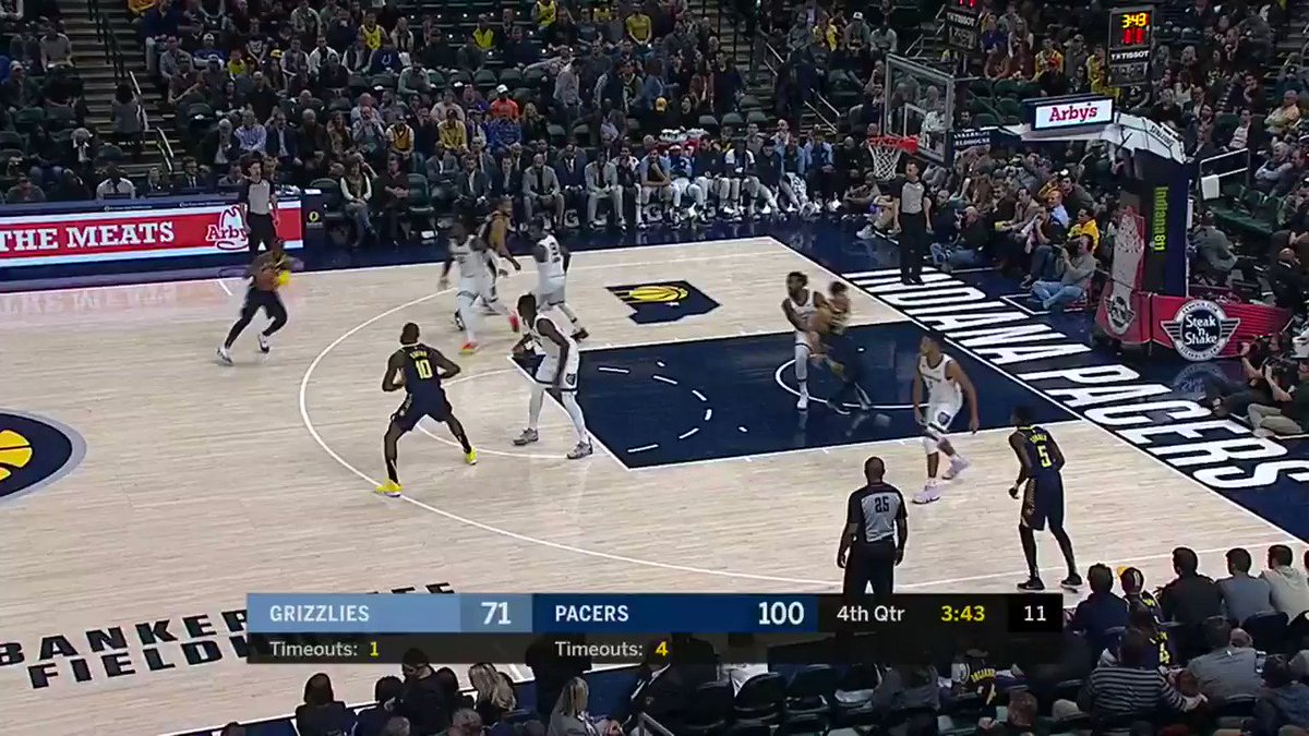 �� #NBARooks 1st Bucket THREAD ��  Aaron Holiday drills it from deep for the @Pacers!  #KiaTipOff18 #Pacers https://t.co/YXaSSnZOIw
