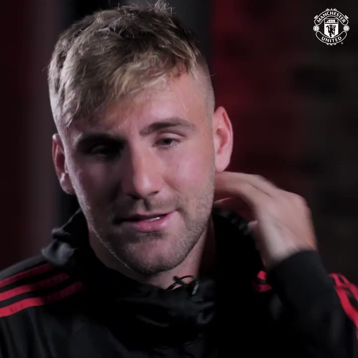It's official - congrats to @LukeShaw23 on his new #MUFC contract! ✍️  Watch his exclusive interview in full via our free official app...  👉 http://bit.ly/2J4Bbip 👈