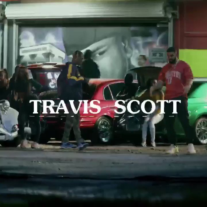 SICKO MODE VIDEO OUT NOW!! @trvisXX @Drake @Vevo https://t.co/qAZSRl7yUe https://t.co/OWQAc00nuW