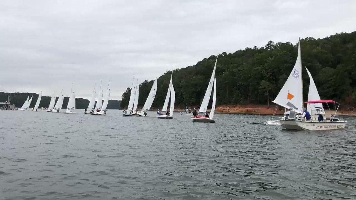 Image for the Tweet beginning: Race 5️⃣ underway ⛵️⛵️⛵️ #CofCYFlyers