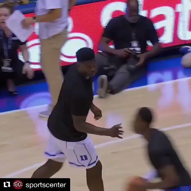 Zion Williamson put on a dunking clinic during Duke's scrimmage 😤