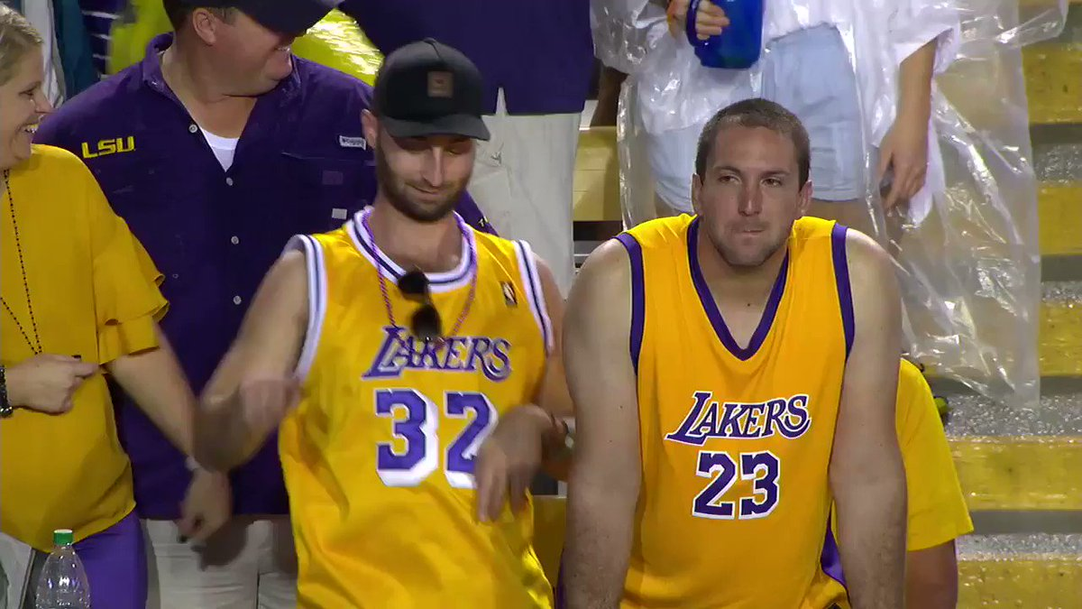 When your team is going to win AND LeBron is playing right after �� https://t.co/3ftT1biPhb