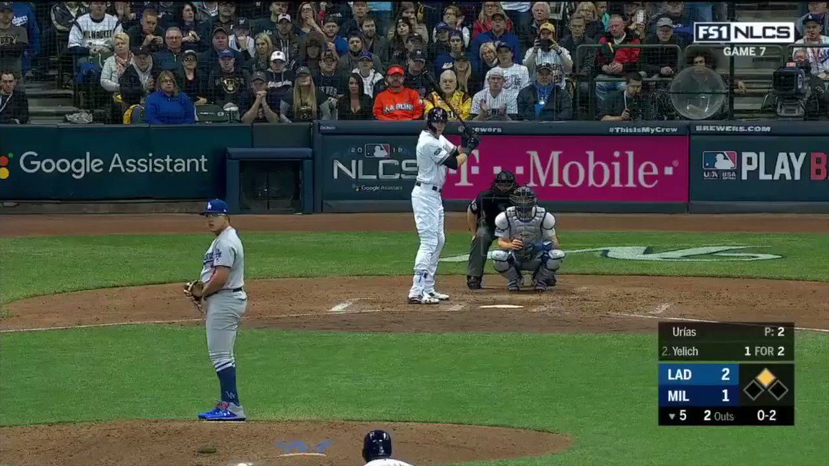 Chris Taylor may have just made the catch of the NLCS �� #SCtop10 https://t.co/c2yuCwPPD9