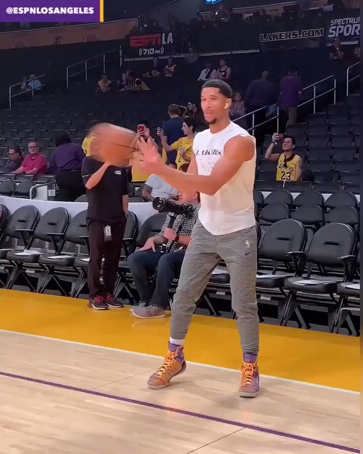 Josh Hart is ready. Are you?? #LakeShow https://t.co/U5beGS5UD3