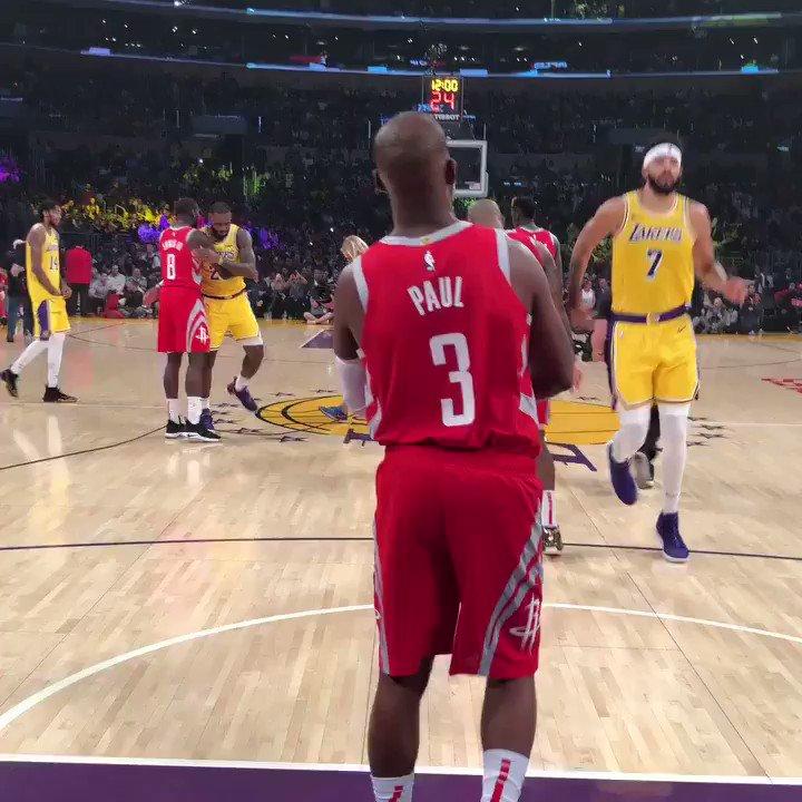 It's GAMETIME in LA on ESPN... who ya got?   #Lakers #Rockets https://t.co/5UT6MqTcbZ