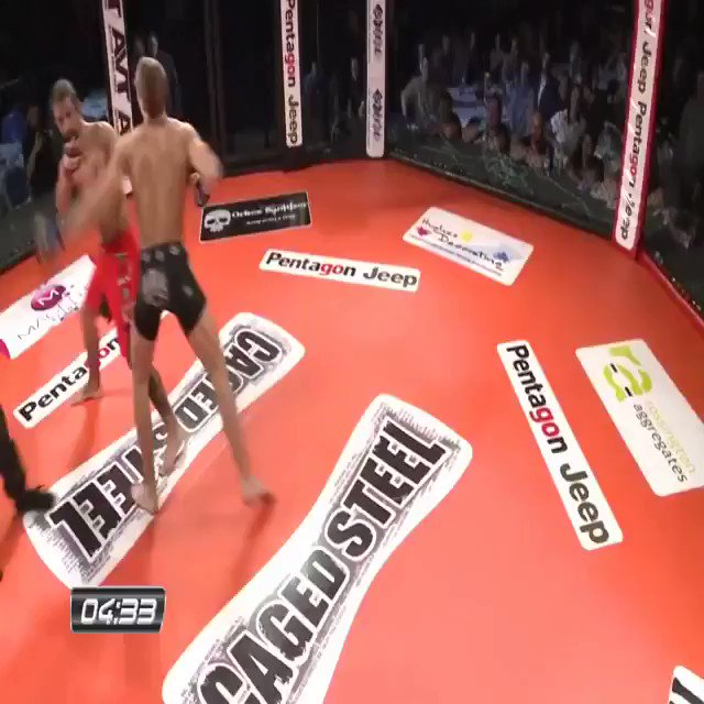 Knocked him out!😯.. @JackGrantMMA 🏴 (15-4) #SkinnyPower 💪 - 1st Round KO! .. Back in 2013 at Caged Steel 🏴! #MMA #Doncaster #UKMMA .. 🎥- @CagedSteel 🏴 .. Flashback!⚡️