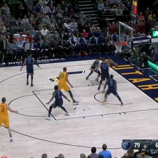 �� #NBARooks 1st Bucket THREAD ��  Grayson Allen hits the corner 3!  #KiaTipOff18 #TeamIsEverything https://t.co/F4gr1dBkR9