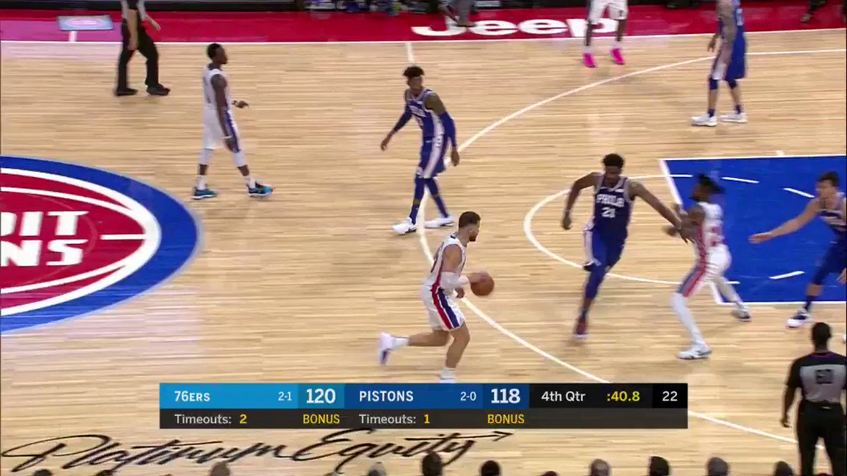 Blake Griffin answers on the other end!  He's up to 44 PTS on @NBATV   All tied at 120. 34.6 left to play. https://t.co/mXGUiovKCR