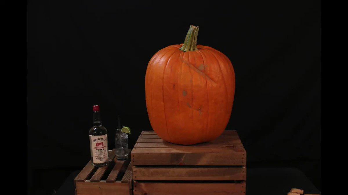 It's a pumpkin. It's Blake. It's Blake on a pumpkin. so damn cool @SmithworksVodka – Team BS https://t.co/ePvjECiDn1