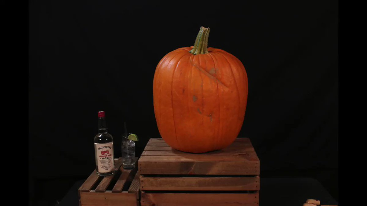 It's a pumpkin. It's me. It's me on a pumpkin. so damn cool @SmithworksVodka https://t.co/Yf61CouERW