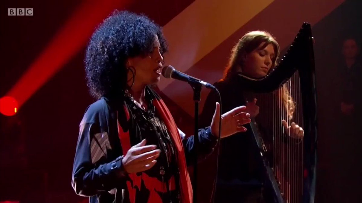 'Fallen Leaves' performed live on #LaterJools @BBCTwo 🍂 'Broken Politics' is out now! nenehcherry.lnk.to/brokenpolitics