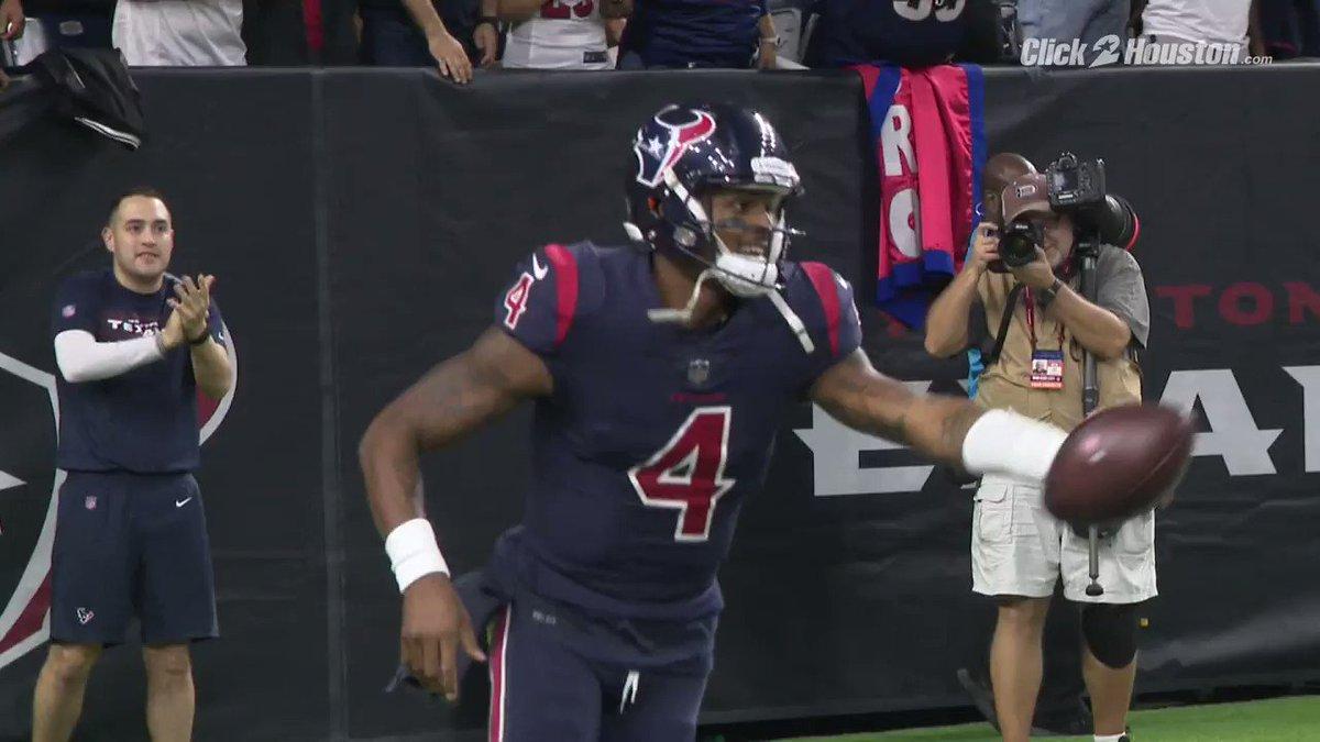 Pretty cool moment from #Texans win over Miami. After @DeAndreHopkins touchdown, @deshaunwatson went out of his way to give the ball to this young fan, her reaction says it all. @KPRC2