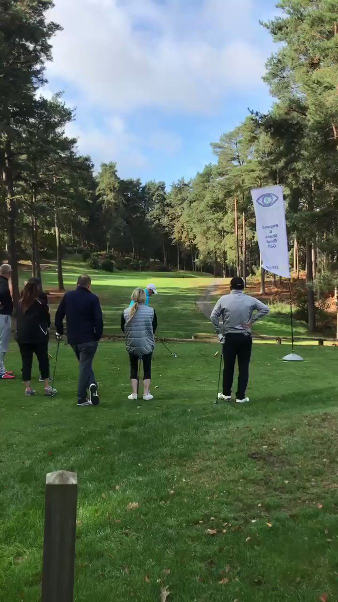 Here's the swing of goalkeeping legend @RayClem1 over 1000 career appearances and still has time to show his support #blindgolf #blindgolferuk @LFC @engerlandfootie